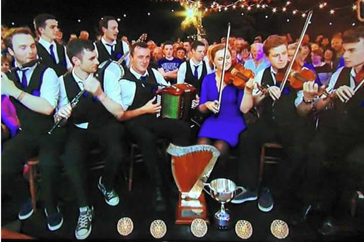 The newly crowned 2015 All Ireland senior ceili band winners, Shandrum Co.Cork, on the Gig-rig at the closing ceremony.